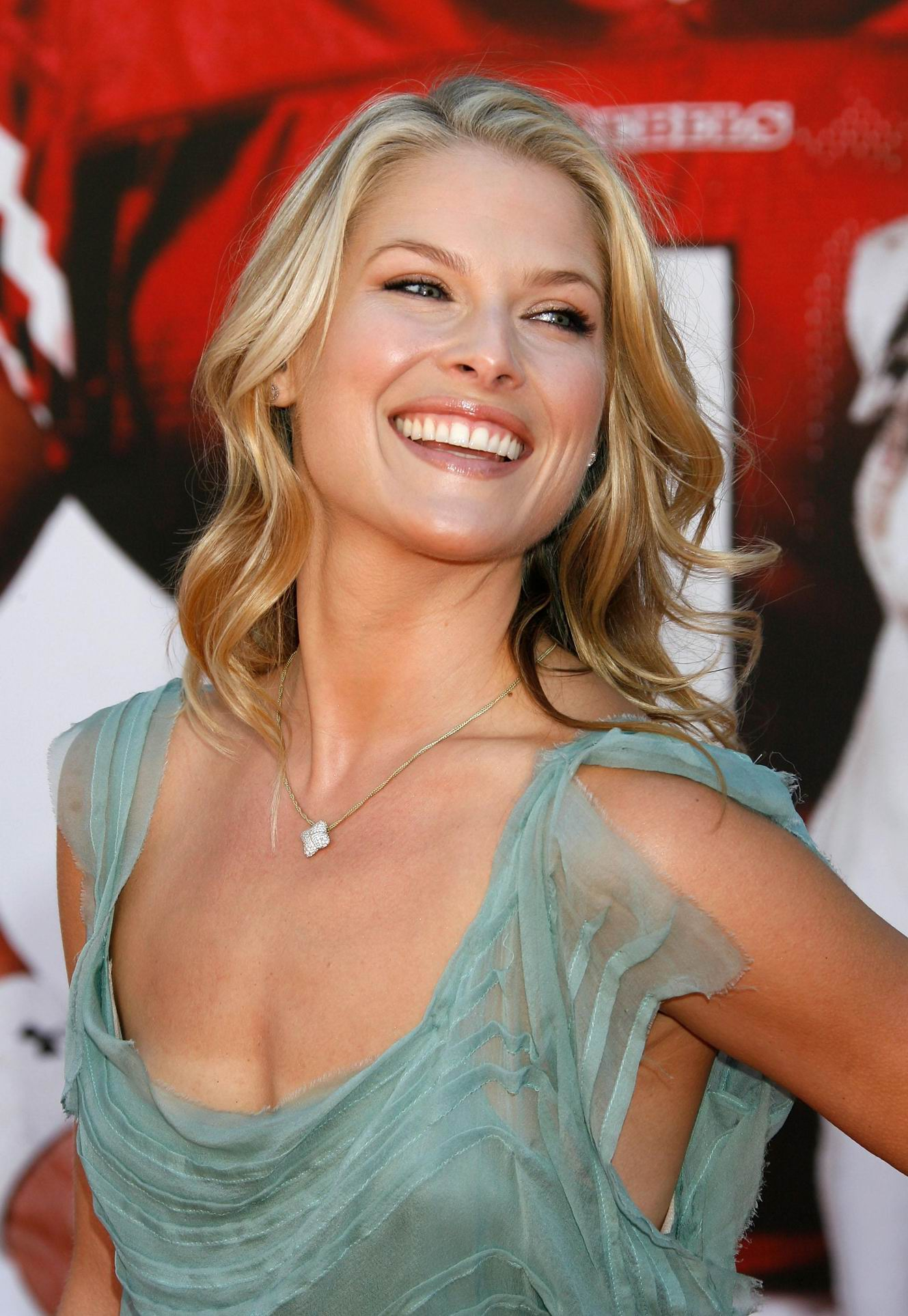 Ali larter Wallpaper 9 With 1329 x 1927 Resolution ( 299kB )