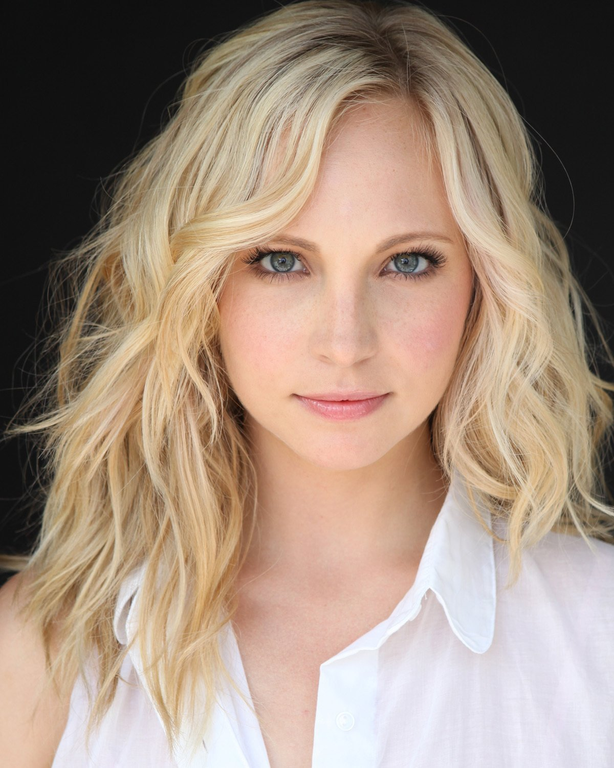 Candice Accola - Wallpaper