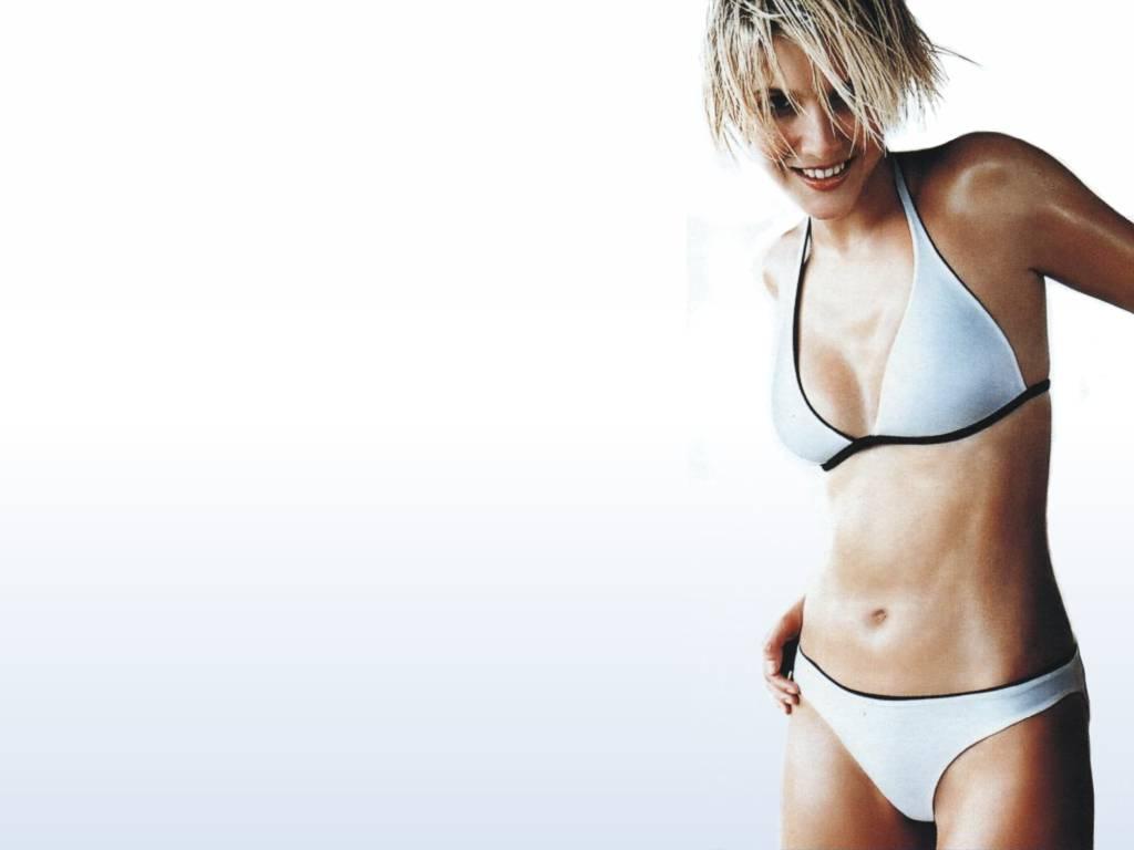 lisa falkner holby female celebrity