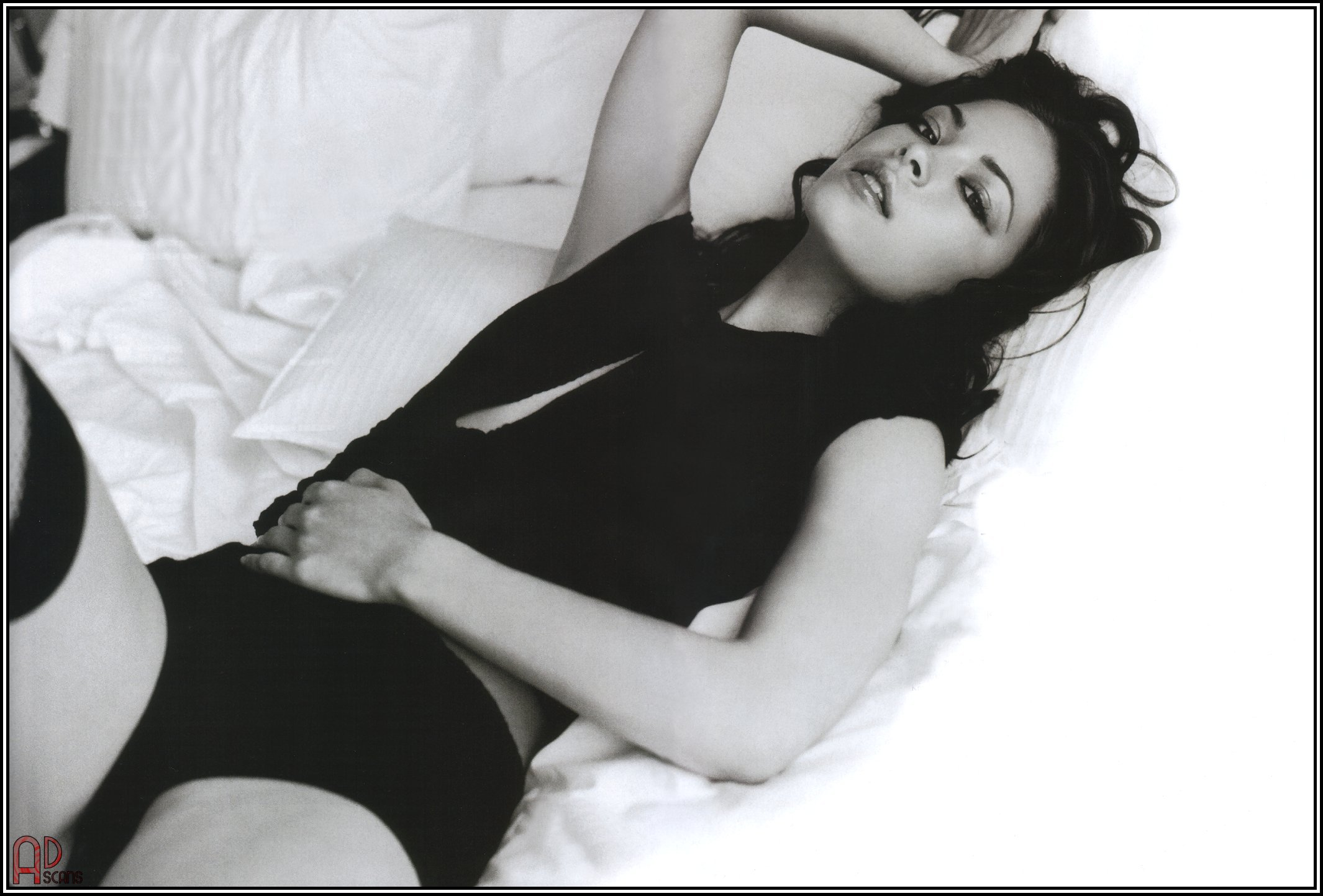 Kristin Kreuk Smallville  Female Celebrity-7685