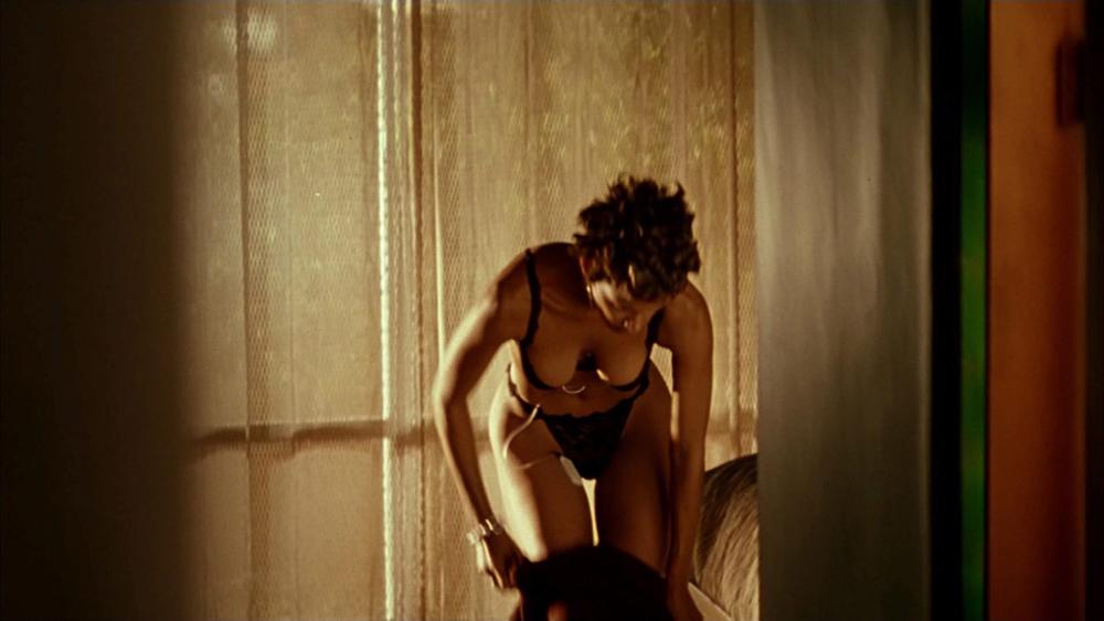 Celeb Gifs Uncensored Halle Berry Sexy Gifs
