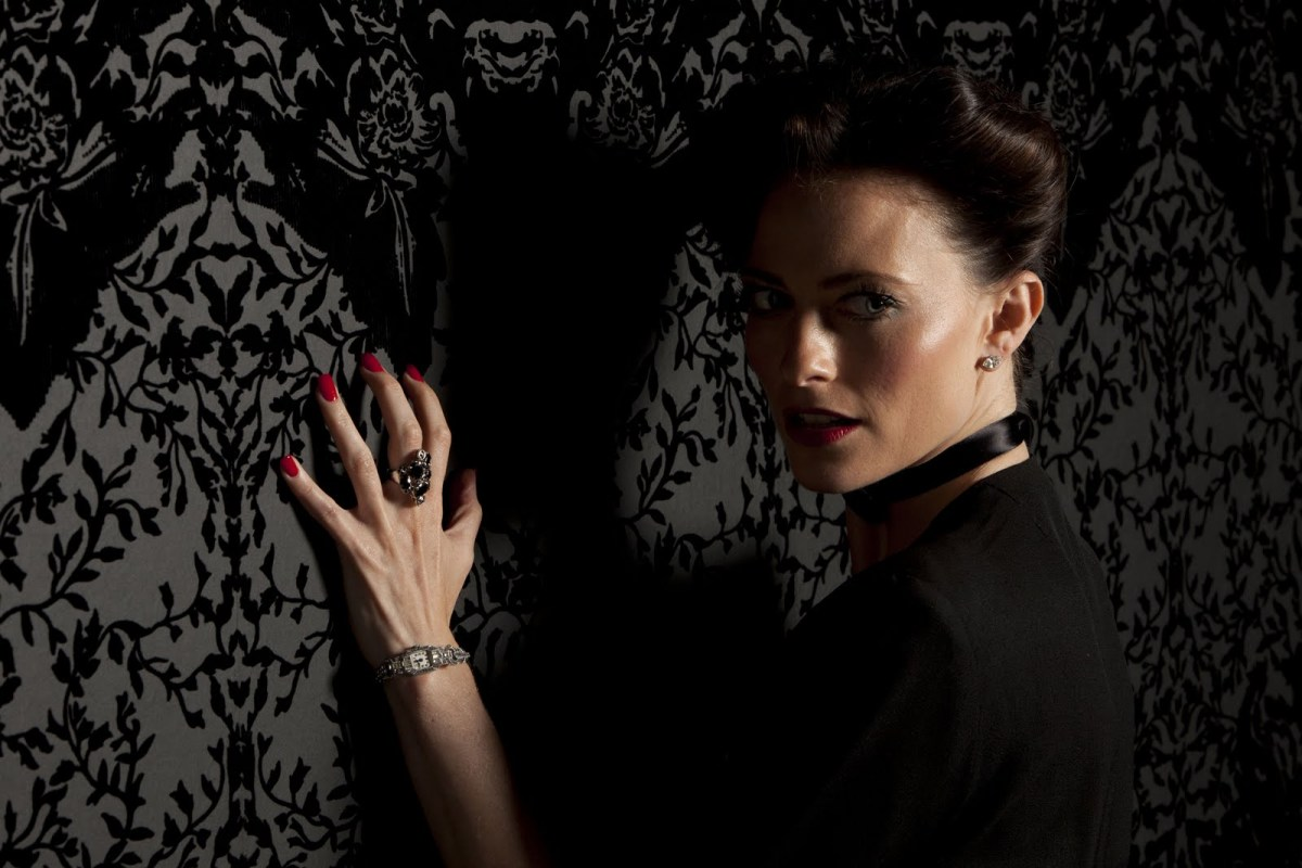 http://thefcelebrity.files.wordpress.com/2012/04/lara-pulver-4.jpg?w=1200