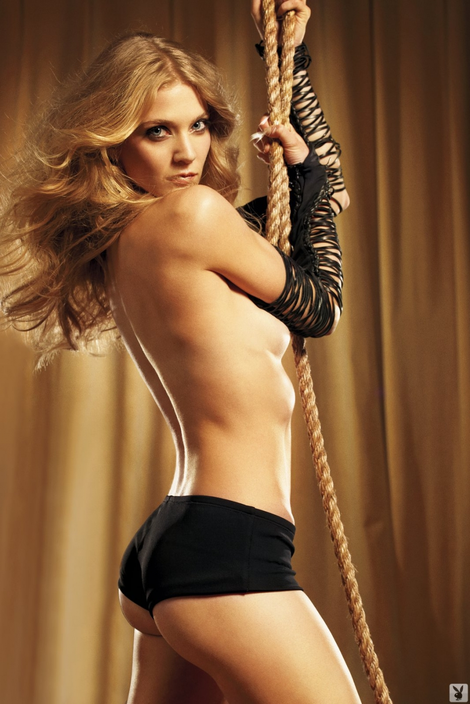 Winter Ave Zoli Soa Female Celebrity