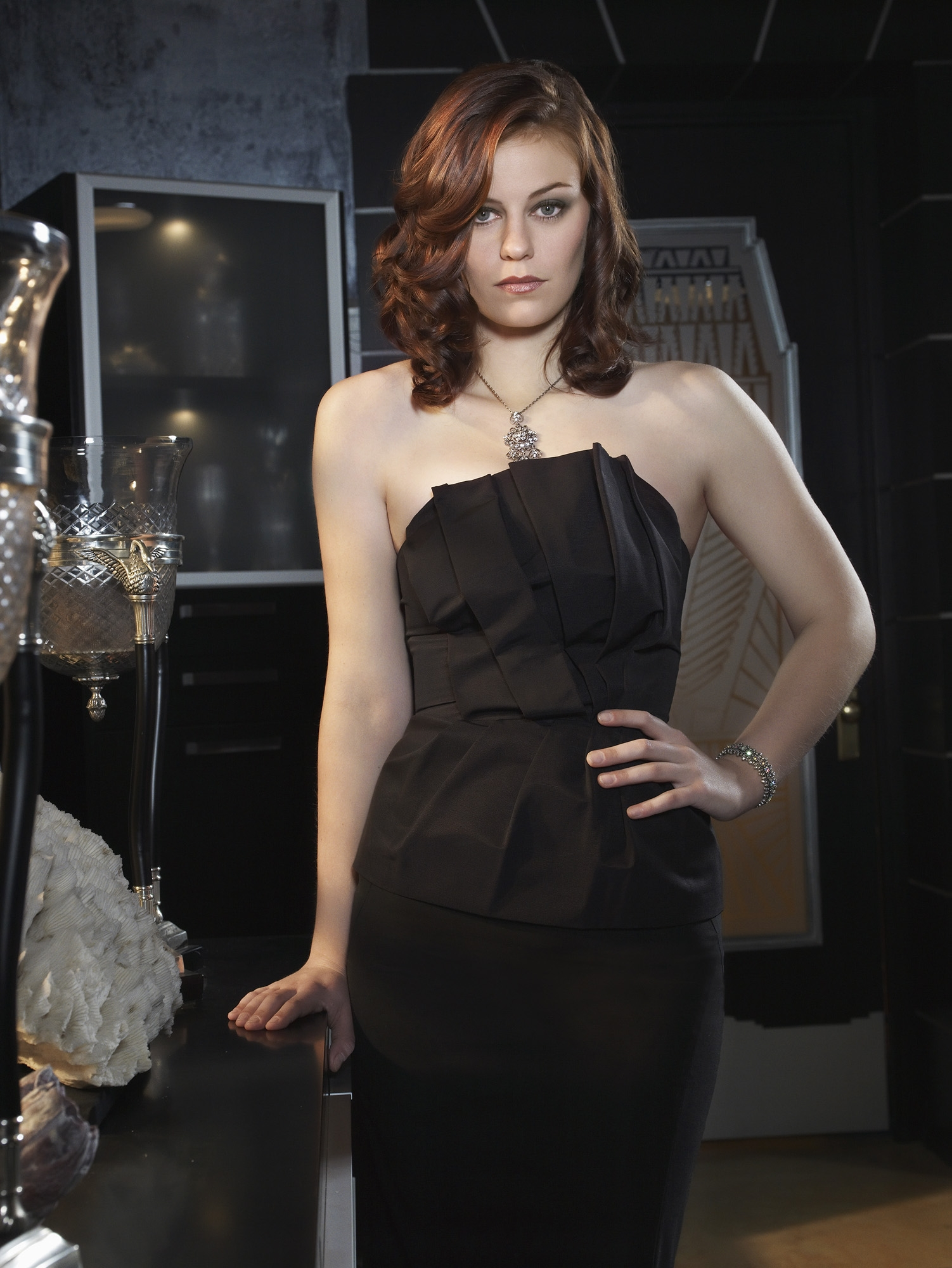 Cassidy Freeman [Smallville] | FEMALE CELEBRITY