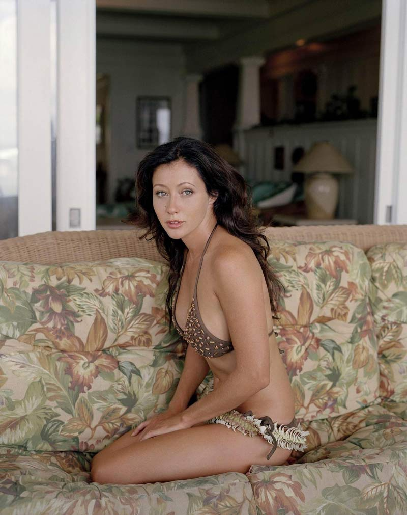 Playboy naked in Shannen doherty